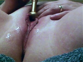 BIG LIPPY MATURE MARRIED SLOPPY WET CUNT VIBRATED UP CLOSE