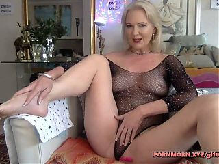 Hot granny spreading her legs