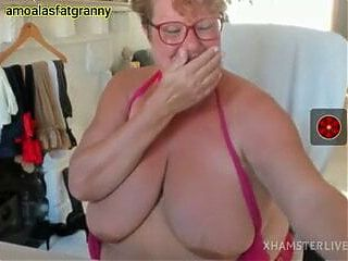 Fat Old Woman Showing Her Ass And Masturbating