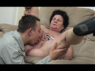 Lovely Older Pussy to Lick