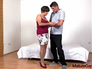 Old granny gets her senior cunt gaped and fucked hard