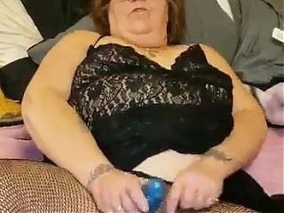 My granny fucking her sweet phat pussy